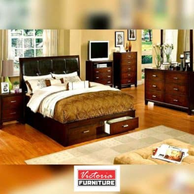 Charming Wooden Bed Set